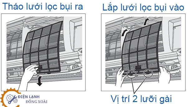 Tháo lưới lọc bụi được lắp bên trong dàn lạnh